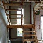 Maßgezimmerte Bautreppe