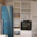 Ofen, Kühlschrank und Spülmaschine an ihrem Platz